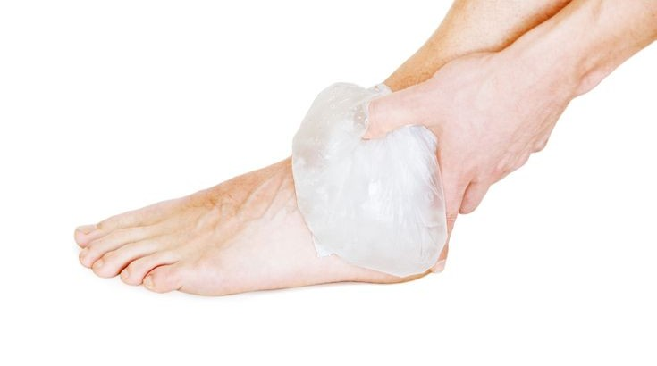 icing ankle runner